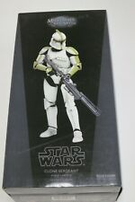 """SIDESHOW Star Wars Clone Sergeant Phase I Armor 1/6th Scale 12"""" Action Figure"""