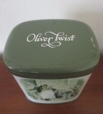 vintage OLIVER TWIST Tin Tea Caddy ILLUSTRATED SCENES from DICKENS England
