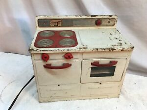 VINTAGE EMPIRE MODEL PRESSED METAL ELECTRIC TOY OVEN STOVE