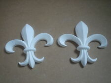 2 LARGE FLEUR DE LIS DECORATIVE FURNITURE  MOULDINGS WHITE RESIN