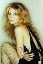 Gwyneth Paltrow Signed Autographed 10X15 Photo Sexy Fishnet Stockings GV834432