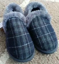 ed160ec8799 Boys Size 7-8 Plush Black   Gray Plaid Slippers House Shoes Wonder Nation  New