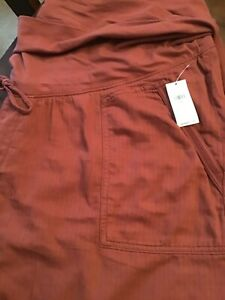OLD NAVY:  MATERNITY SHORTS:  SIZE XXL:  RUST COLOR:   BRAND NEW WITH TAGS