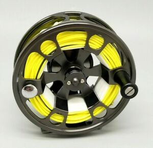 BEAUTIFUL VINTAGE LOON OUTDOORS FLY FISHING REEL  *MINT* used once! line loaded