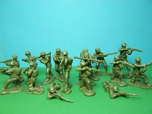 CTS 1/32 scale WWII US Infantry x16 (green)