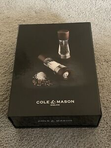 Cole & Mason Derwent Salt and Pepper Mill Grinder Set Wood
