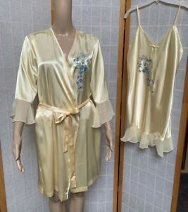 NWT ~Secret Treasures Yellow Satin Robe/ Gown Set ~Size M ~ Hand Painted