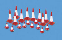 Traffic Cones (Large & small) - OO/HO Accessories Model Scene 5008 -