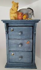 Winnie the Pooh Classic Border Fine Arts, Chest of Drawers Blue. A0047