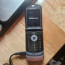 Motorola Razr V3m Silver Black Verizon Cellular Flip Phone Dead battery