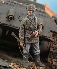 Royal Model 1/35 Waffen-SS SS-Sturmmann (Stormtrooper) WWII [Resin Figure] 526