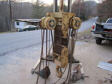 Yale 25 ton manaul chain hoist   30 feet of lift  Double pull chain