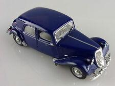 Norev 1/43e: Citroën 15 CV berline bleu nuit sans boite