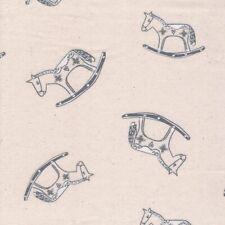 Noël Tissu - John Louden - Scandi Calicot - Cheval à Bascule Crème/Bleu Gris