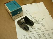 NOS 1964 1965 1966 1967 CORVETTE GM ORIG MUNCIE 4SP SHIFTER BASE UNIT #3936246