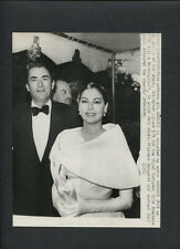Ava Gardner + Gregory Peck At London Premiere -1963 To Kill A Mockingbird Candid