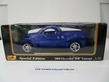 Maisto Collectible Special Edition Blue 2000 Chevrolet SSR Concept 1:18 Scale