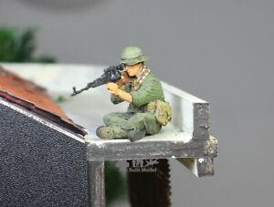(Pre-Order) NVA Soldier Sniper in Vietnam war 1:35 Pro Built Model