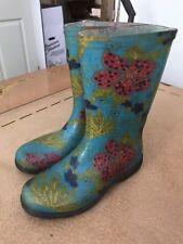 Womens size 6 Sloggers rain boots