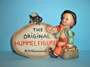 THE ORIGINAL HUMMEL FIGURES PLAQUE#187 MERRY WANDERER W/BEE~TMK 2~Full Bee~MINT