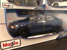 Maisto 1:18 Scale Special Edition Diecast Model Car - BMW M5 (Blue)