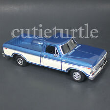 Motormax 1979 Ford F-150 Custom Pickup Truck 1:24 DIECAST 74346 Blue / Cream