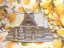 NORDIC WARE 9 CUP GINGERBREAD HOUSE CAKE PAN MUFFIN MOLD HEAVY METAL DETAILED !