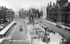 Albert Square Statue Monument Auto Vintage Cars Voitures Manchester 1968