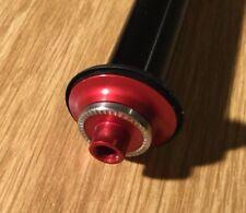 Acros .75 und .54 Adapter QR9 Achse Vorderrad 100 mm Rot Neu