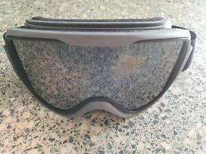 Wedze grey ski / snowboarding goggles.