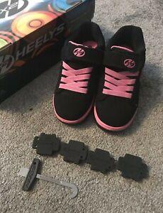 girls HEELYS, Heeleys Kids Skater Shoes. size 11 Worn Once Indoors.