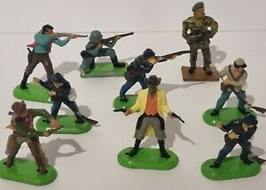 Britains Ltd 1971 Deetail Metal Base Toys COWBOYS/SOLDIERS/NATIVE AMERICANS
