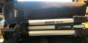 JESSOPS TP 318 LIGHTWEIGHT & COMPACT ALUMINIUM CAMERA TRIPOD WITH CASE