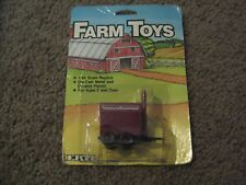 VINTAGE ERTL FARM TOYS RED AND WHITE DRY FERTILIZER SPREADER 1986 1/64 NEW FS
