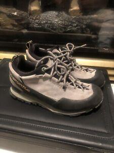 La Sportiva Boulder X Approach Mountaineering Shoes Womens Size 8.5 Hiking Shoe