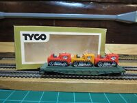"TYCO HO 351A:300 HO Scale SKID FLATCAR With 3 TRACTORS ""Western Maryland"""