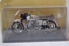 MOTO GUZZI V7 SPECIAL 1967 1/24 série grandes motos classiques  ALTAYA /IXO