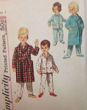 Simplicity 4250 - Adorable Vintage pattern for Toddler PJ's and Robe - Size 1