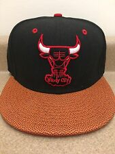 Chicago Bulls NBA BASKETBALL VIZA STRAPBACK 9Fifty New Era Hat Med/Lrg Black