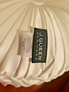 """J. Queen New York Marquis Tufted 15"""" Round Decorative Pillow Ivory"""