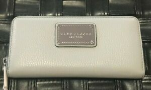 """NEW Marc Jacobs Classic Standard Continental Leather Wallet """"Ice"""" Gray $200"""