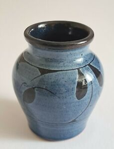 Nick Hillyard-Axminster-Studio Pottery-Handcrafted Vase-