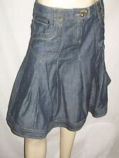 """Jupe en jeans évasée avec large plis """"CAMAÏEU"""" Taille 38"""