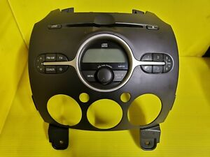MAZDA 2 SANYO STEREO RADIO CD PLAYER MP3 DF74669R0 14797613