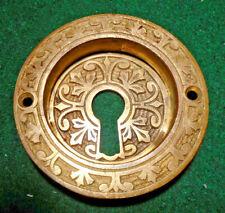 SINGLE EASTLAKE  ROUND BRASS POCKET DOOR PULL - VERY NICE  (14612-2)