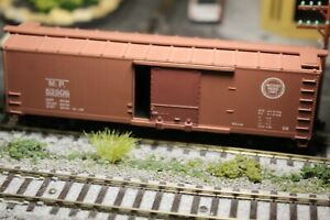 40' MISSOURI PACIFIC   BOXCAR 1/87 HO RTR BUILT  knuckle couplers LT. WEATHERED