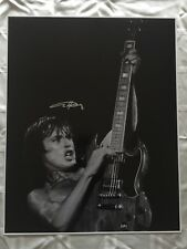 Angus Young SIGNED 16x20 Photo AC/DC Poster Brian Johnson Axl Rose Poster PROOF