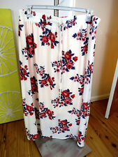 AUTOGRAPH SIZE 18 roses Skirt  RRP $69.95 bnwt