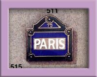 Pin's Folies **Enamel Badge pin Corner Paris street