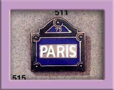 Pin's Folies **Enamel Badge pin Corner Paris street